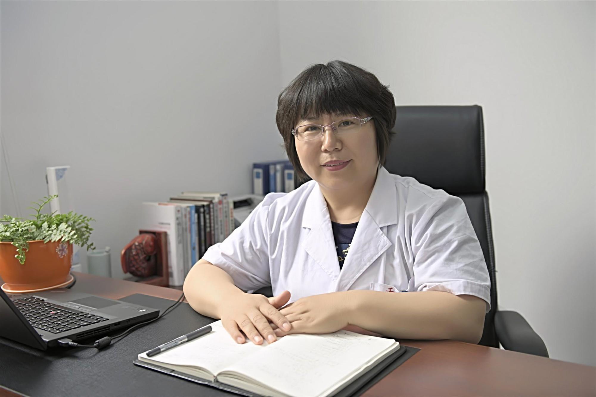 我院许翠萍教授入选美国护理科学院院士