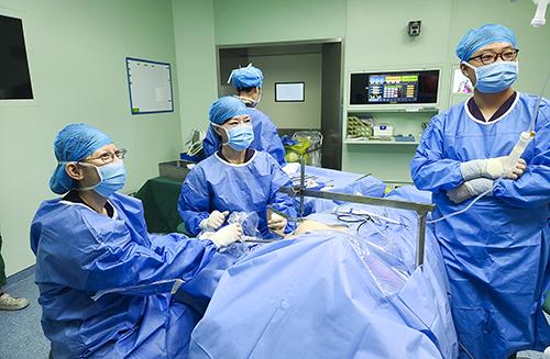 甲状腺外科开展经腋窝无充气腔镜甲状腺手术